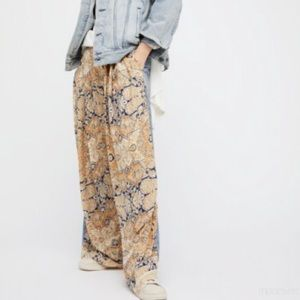 FREE PEOPLE Coming And Going Wide Leg Pants Jeans